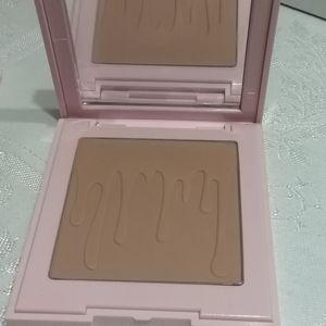 Kylie Cosmetics Makeup - Kylie Jenner Bronzing Powder in Tequila Tan